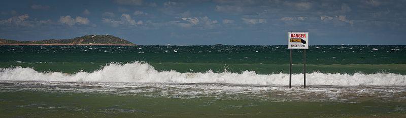 Gevaarbord: Sterke onderstroom | CC BY-SA 3.0 Stephen Edmonds, Wikimedia Commons